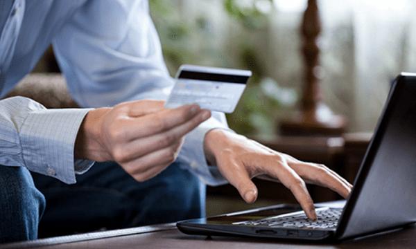 Тщательно мониторьте платежи по вашей карте - это поможет вам быстро выявить неизвестный платёж